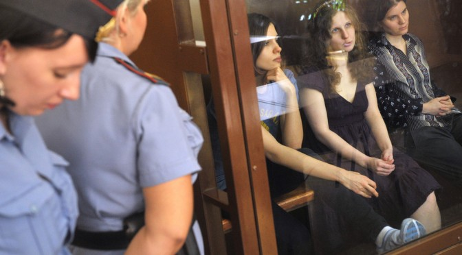 Still defiant, members of Russia's Pussy Riot band go free – latimes.com